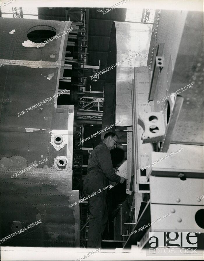 Imagen: Jan 1, 1950 - Building The Britannia Air Liner: Two parts of the fuselage for the Britannia ready for joining together. The metal on the outside is covered with.