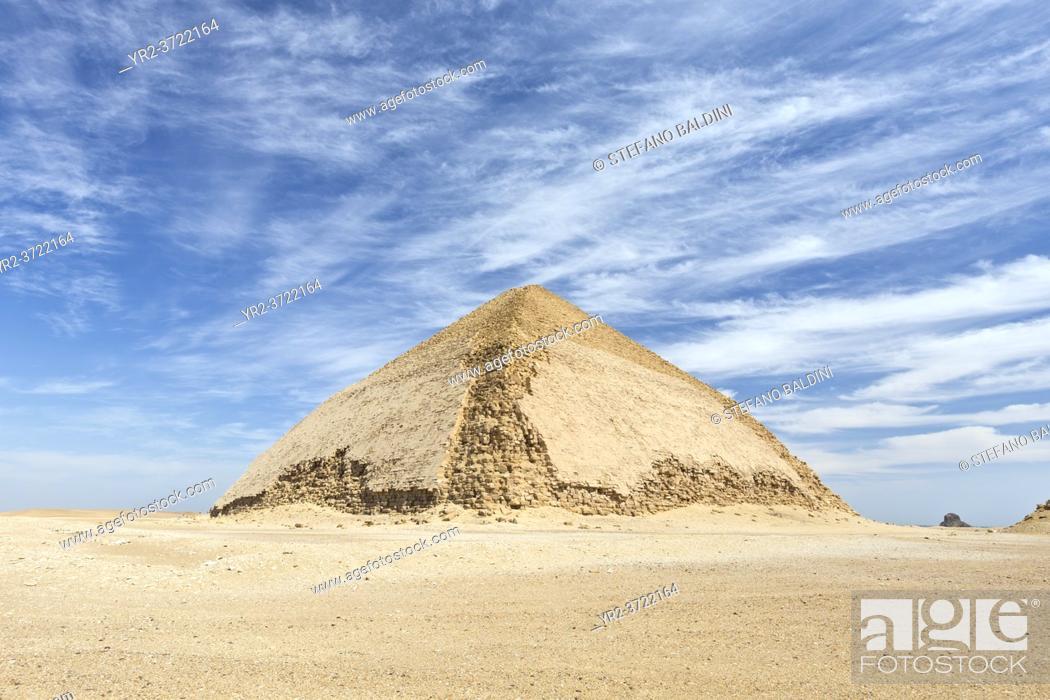 Imagen: Bent pyramid, Dahshur, Egypt.
