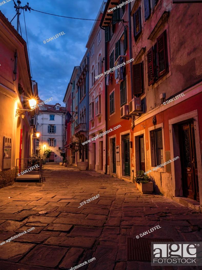 Imagen: Slovenia Coast City of Piran Street Scene.