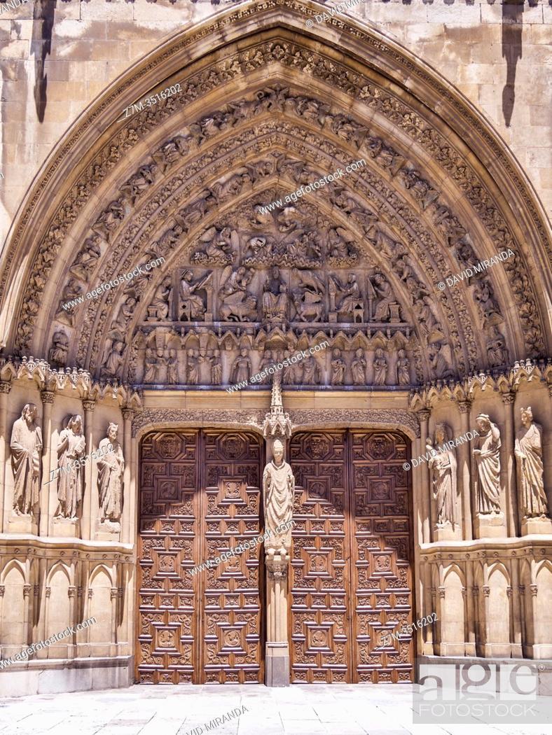 Stock Photo: Catedral gótica de Santa María (portada del sarmental). León. Castilla León. España.
