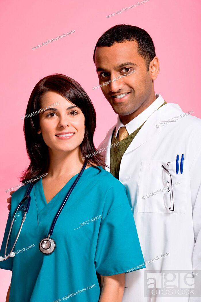 Imagen: Doctor and nurse.