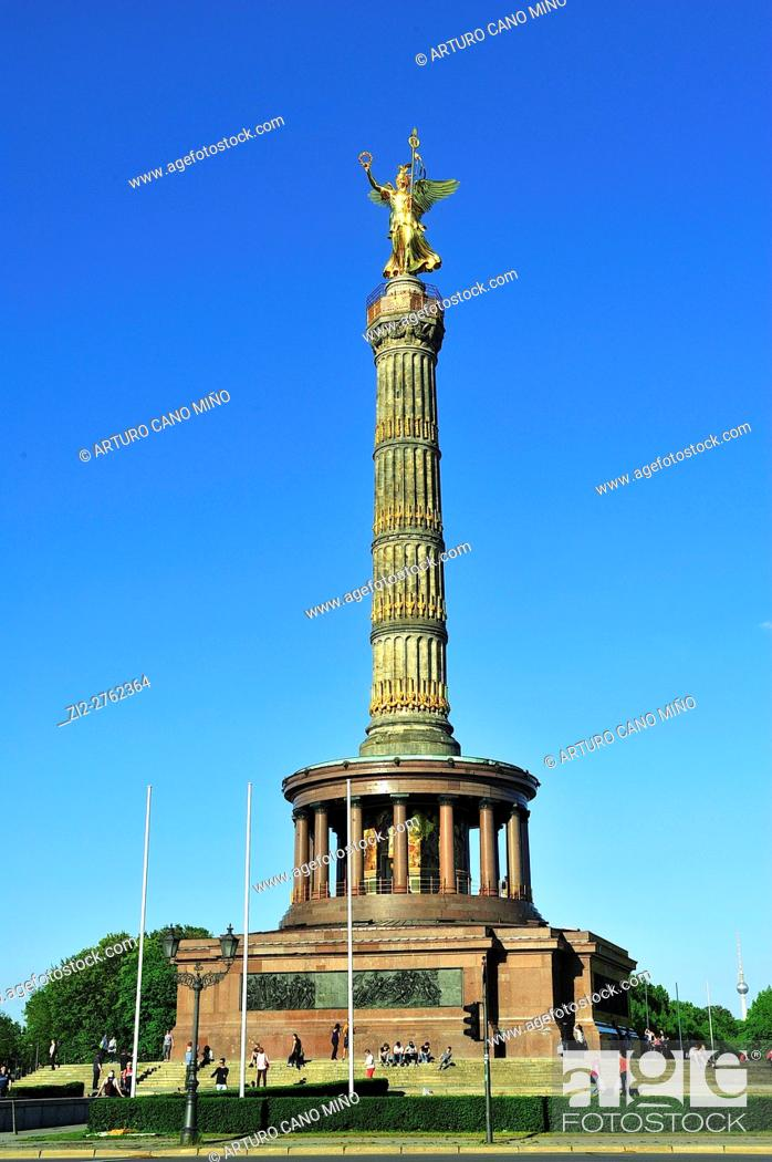 Imagen: The Victory Column or Siegessäule, by Heinrich Strack, 1864, is a monument in Tiergarten Park. Berlin, Germany.