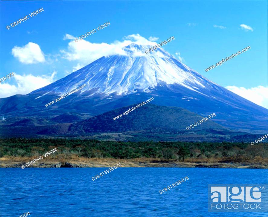 Stock Photo: Shoji Lake, Mt. Fuji, Yamanashi-ken, Japan.