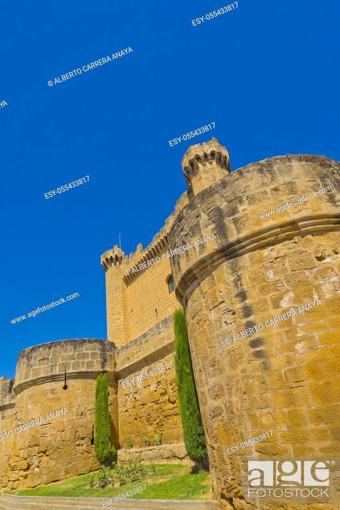 Imagen: Palace-Castle of Sajazarra, S. XV, Sajazarra, La Rioja, Spain, Europe.