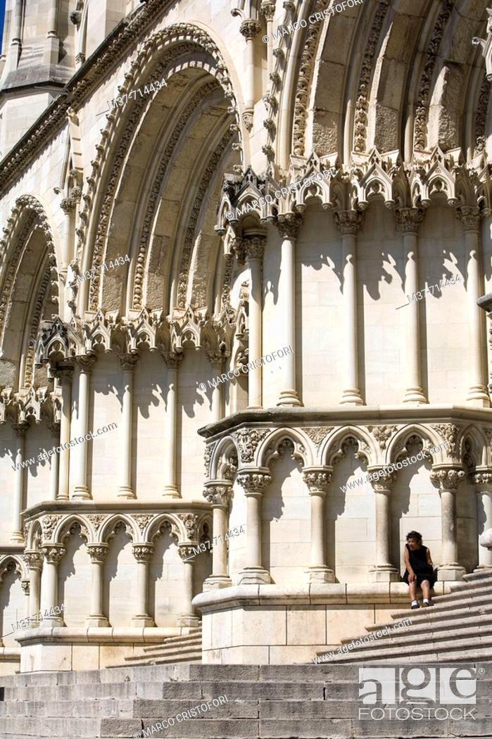 Stock Photo: Cathedral, Cuenca. Castilla-La Mancha, Spain.