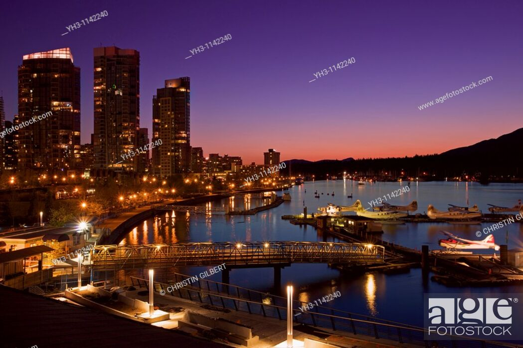 Stock Photo: Downtown Vancouver harbor at night, British Columbia, Canada.