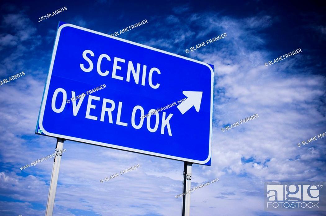 Imagen: Scenic overlook road sign.