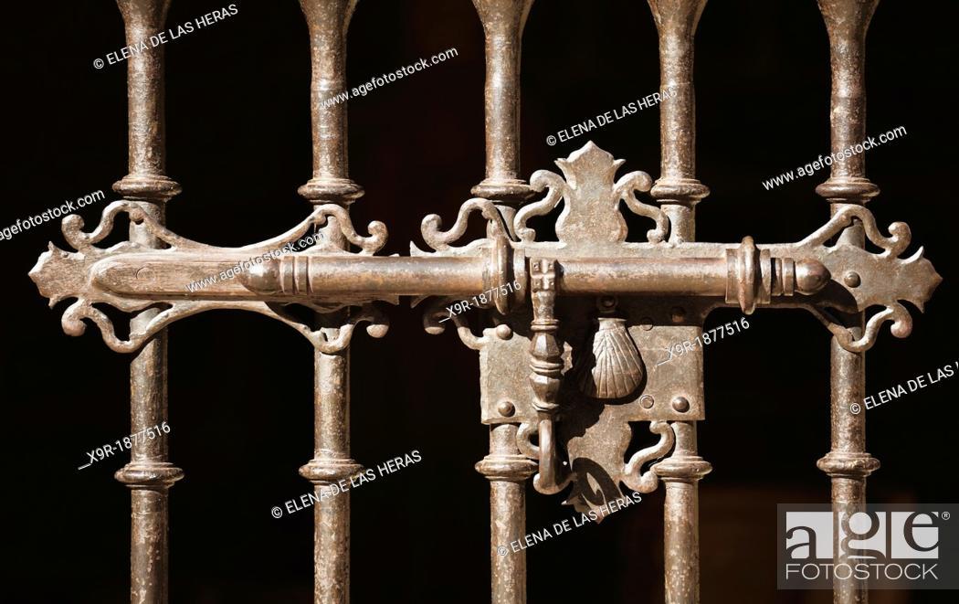 Stock Photo: Decorative bolt  Laguardia  Alava  Basque country  Spain.
