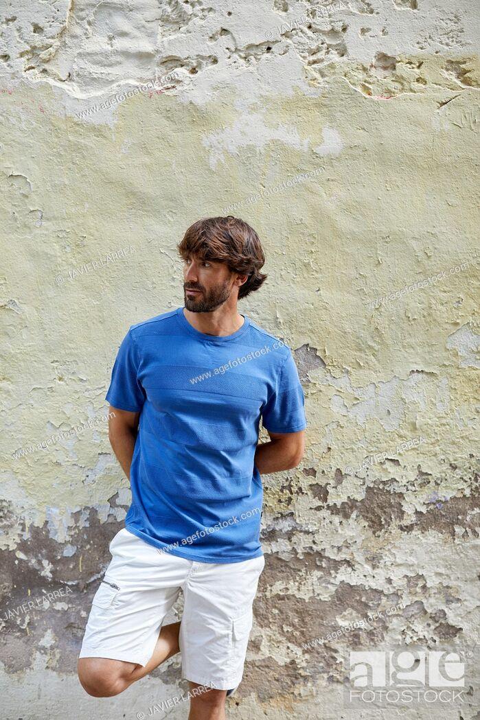 Imagen: Young man with sailor clothes, Pasaia, Gipuzkoa, Basque Country, Spain, Europe.