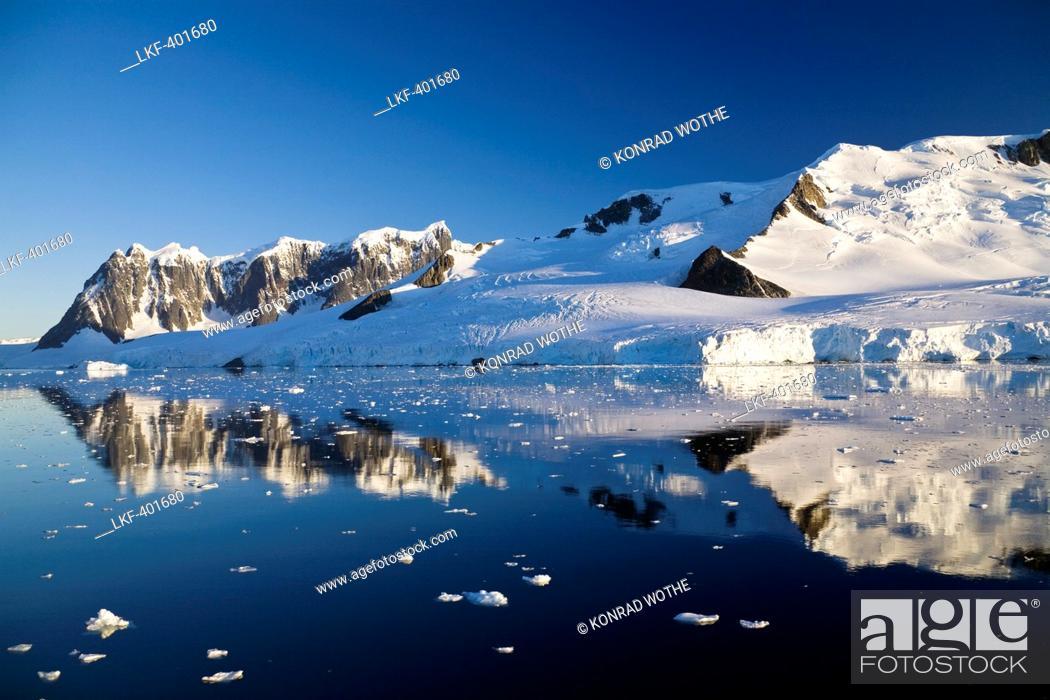 Imagen: Wiencke Island at Port Lockroy, Neumayer Channel, Palmer Archipelago, Graham Land, Antarctic Peninsula, Antarctica.