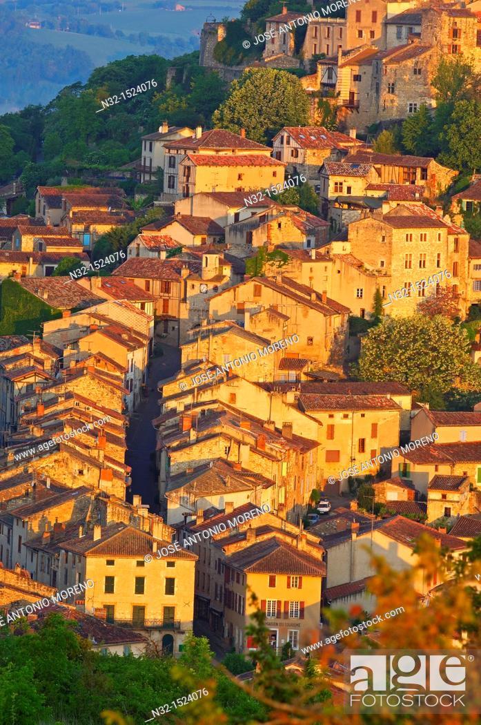 Stock Photo: Cordes Sur Ciel, Cordes-sur-Ciel at Dawn, Tarn Department, Midi-Pyrenees, France, Europe.