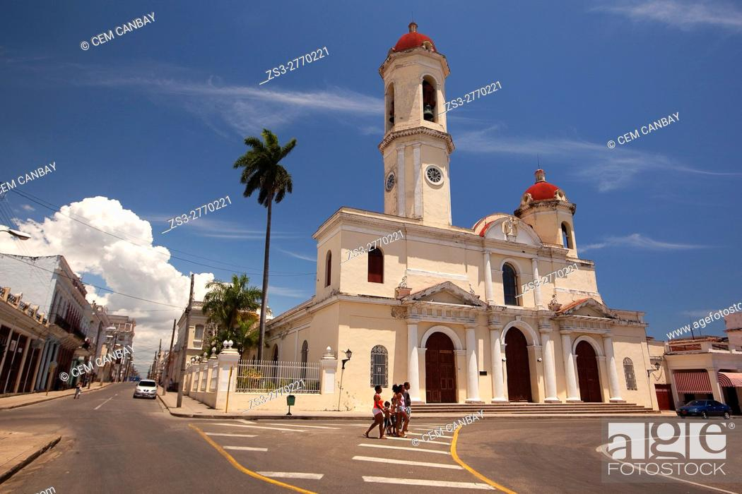 Stock Photo: View the Purisima Concepcion Cathedral in Jose Marti Park, Cienfuegos, Cuba, West Indies, Central America.