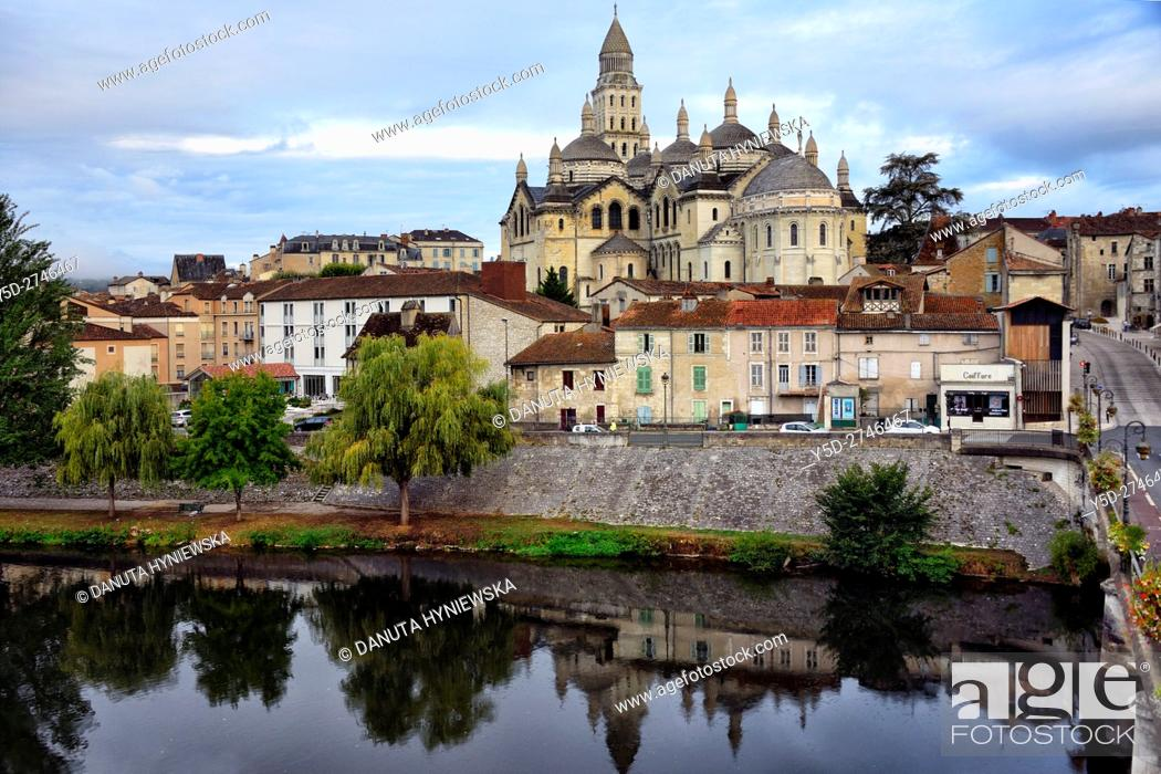 Stock Photo: Saint-Front Cathedral, old town of Périgueux, World Heritage Sites of the Routes of Santiago de Compostela in France, Dordogne, Aquitaine, France, Europe.
