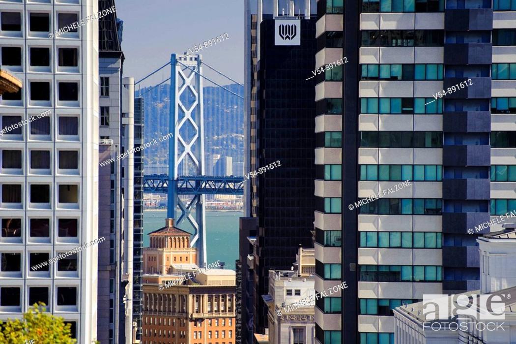 Stock Photo: Usa, California, San Francisco, California Street and View of Oakland Bay Bridge.