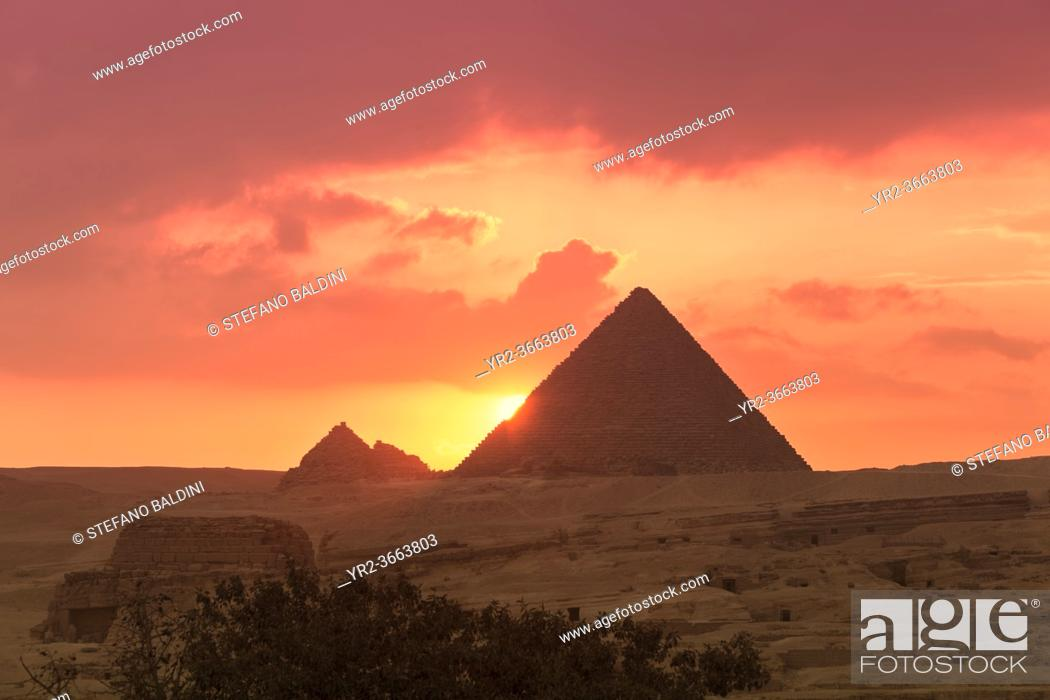 Stock Photo: The pyramids of Menkaure at sunset, Giza, Egypt.