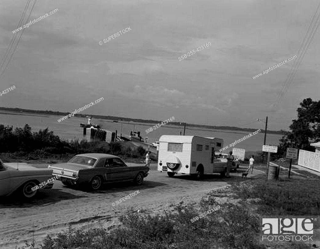 Stock Photo: USA, North Carolina, Swansboro, waiting for ferry to mainland from outerbanks.