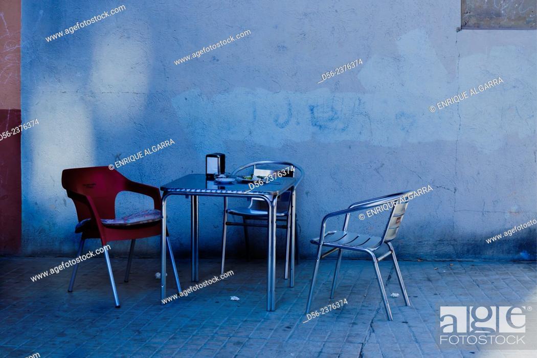 Imagen: bar and terrace, Valencia, Spain.