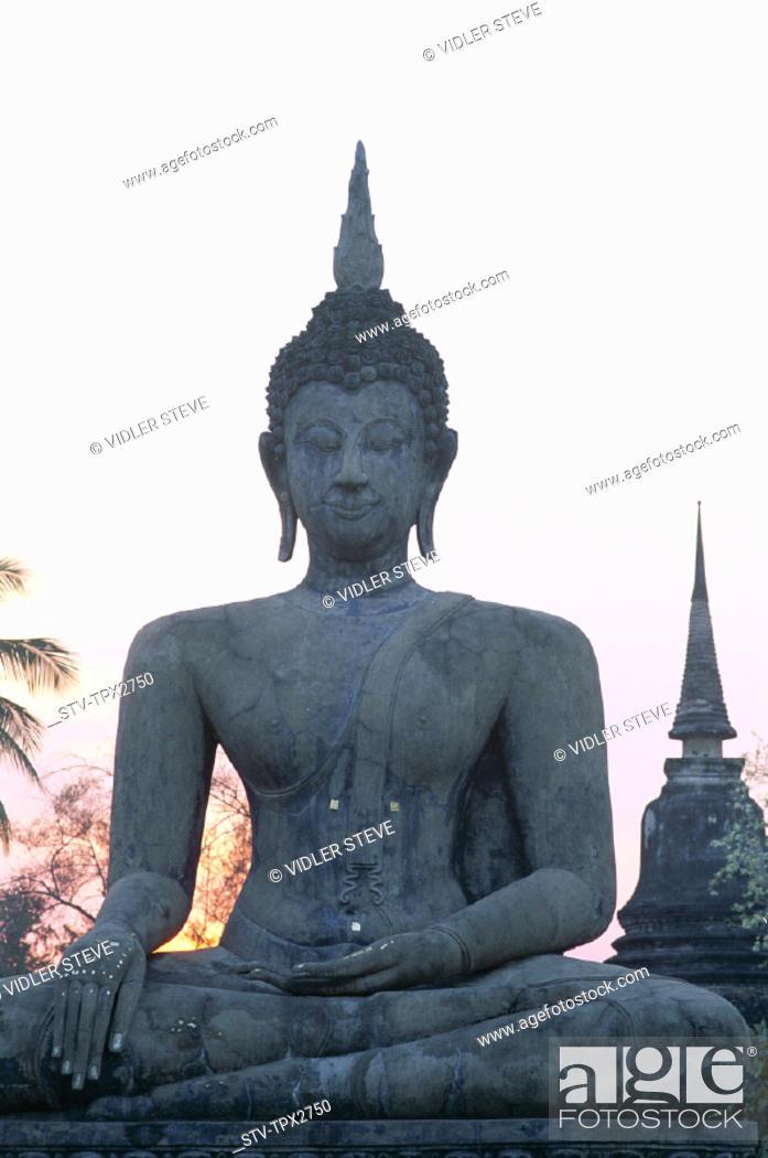 Imagen: Asia, Buddha, Heritage, Holiday, Landmark, Seated, Sukhothai, Thailand, Tourism, Travel, Unesco, Vacation, Wat mahathat, World,.