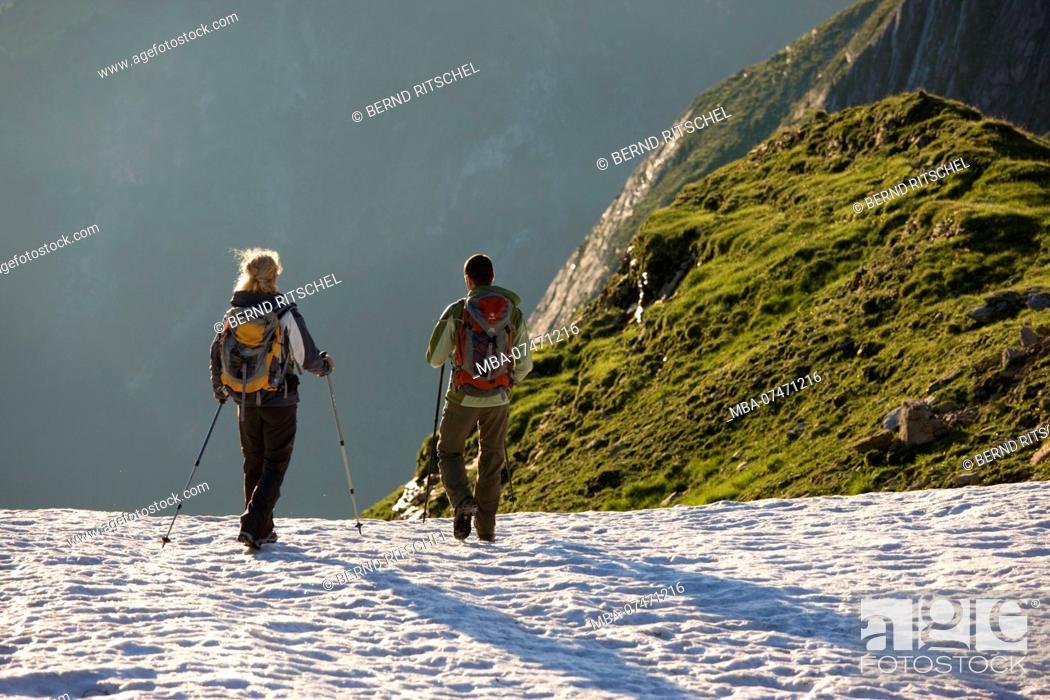 Stock Photo: Hike to Geißkopf over snowfields, Gerlos valley, Zillertaler Alps, Tirol, Austria.
