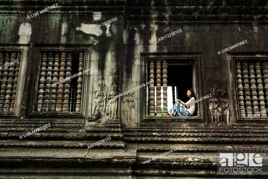 Imagen: The most impressive temple of Angkor, built by the King Suryavarman II in the 12th Century dedicated to Vishnu; Siem Reap, Cambodia.