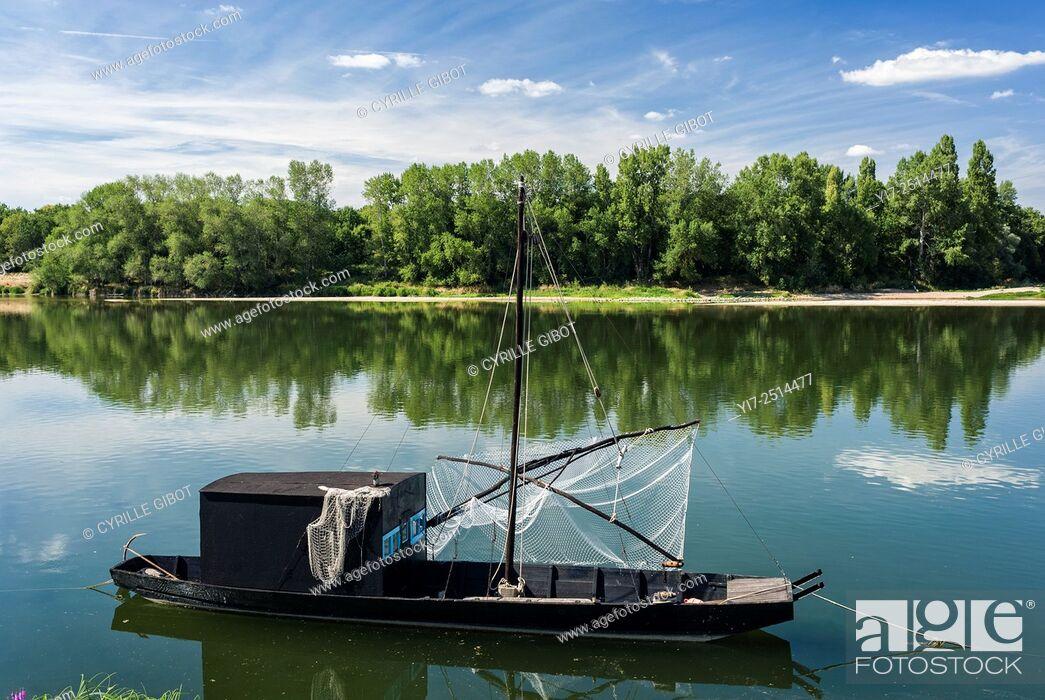 Stock Photo: France, Indre et Loire, Loire Valley, Brehemont, traditional river boat gabare on the Loire river.