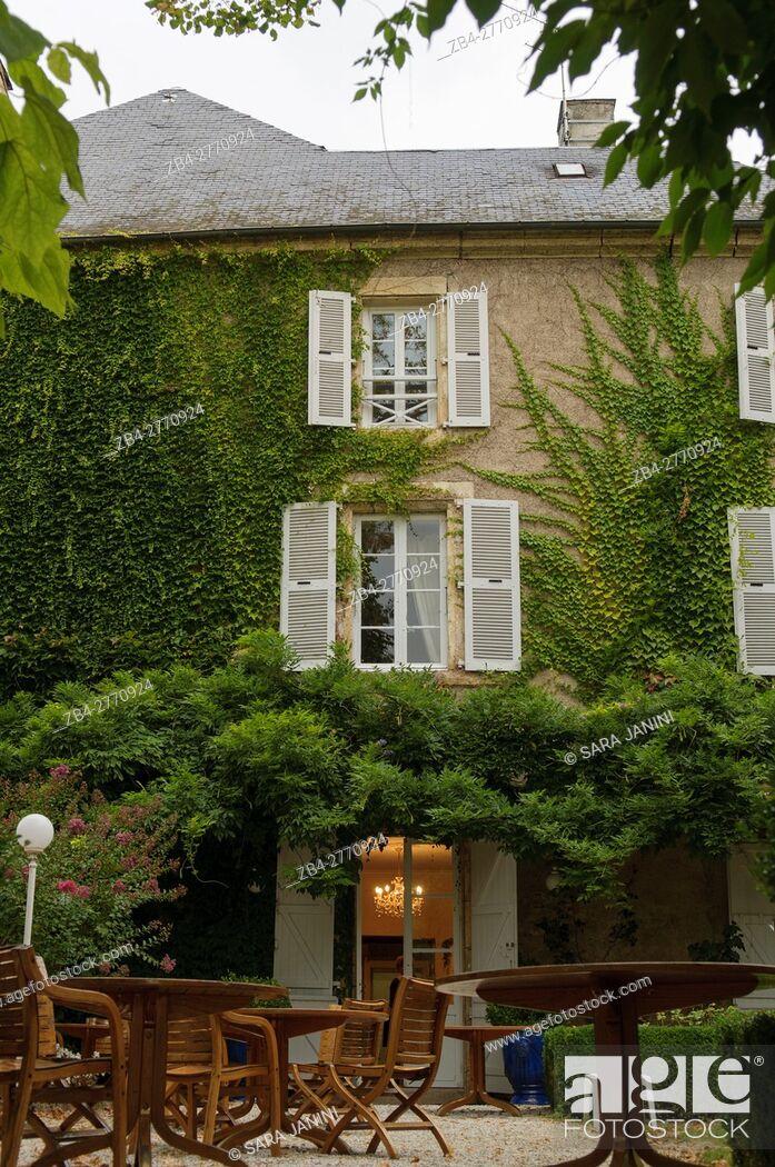 Stock Photo: Hotel La Roseraie, Montignac, Dordogne, Aquitaine, France.