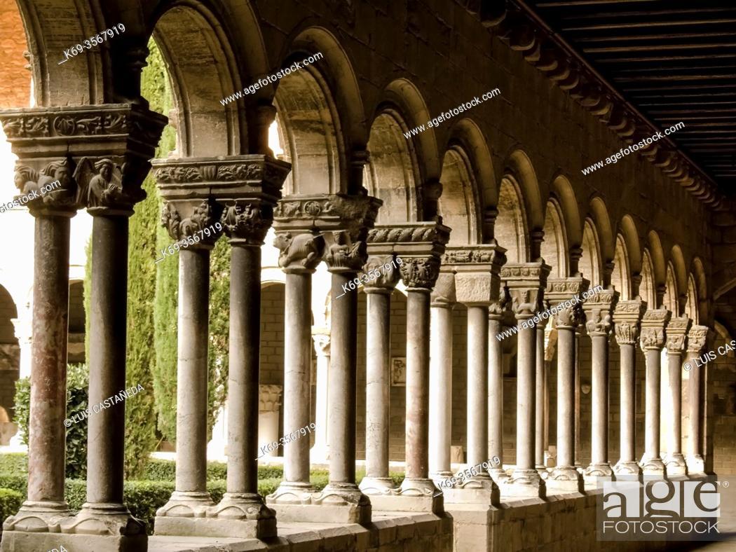 Stock Photo: Cloister. Monastery of S. Maria de Ripoll.