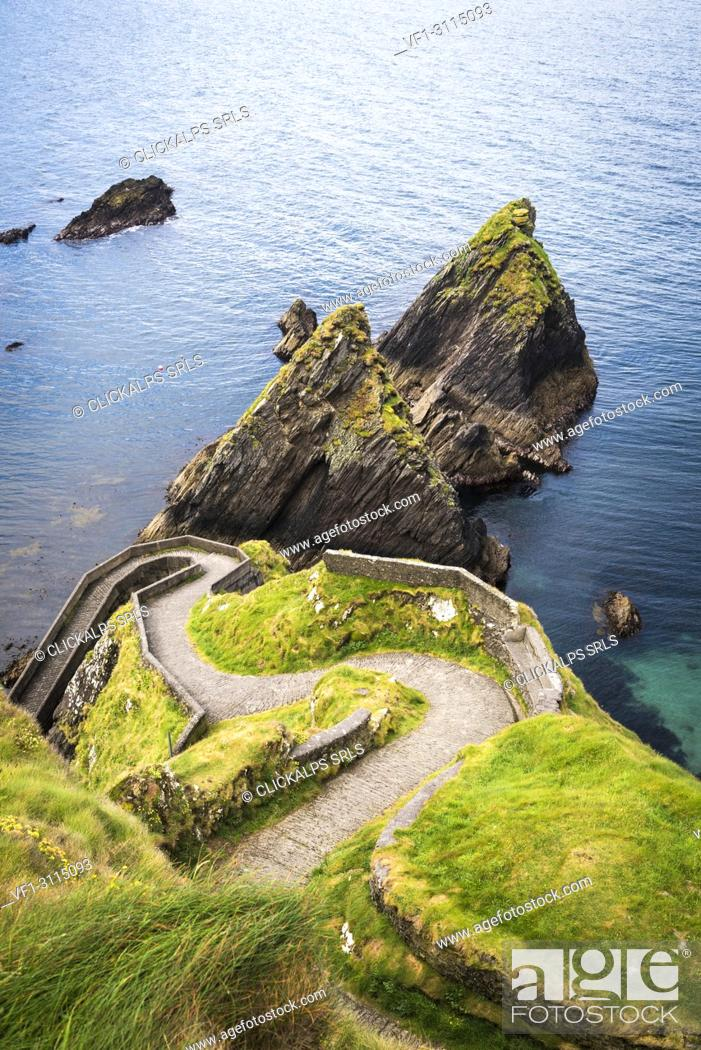 Stock Photo: Dunquin pier, Dingle peninsula, County Kerry, Munster province, Ireland, Europe.