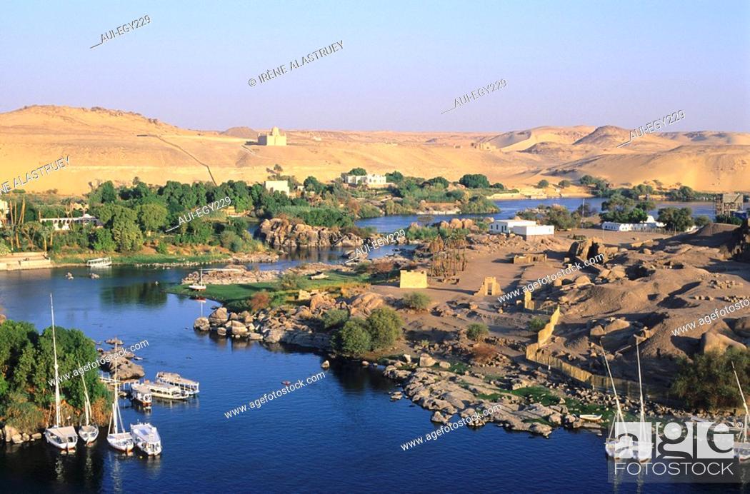 Imagen: Egypte - Basse Nubie - Assouan - corniche - vue sur l'ile Elephantine.