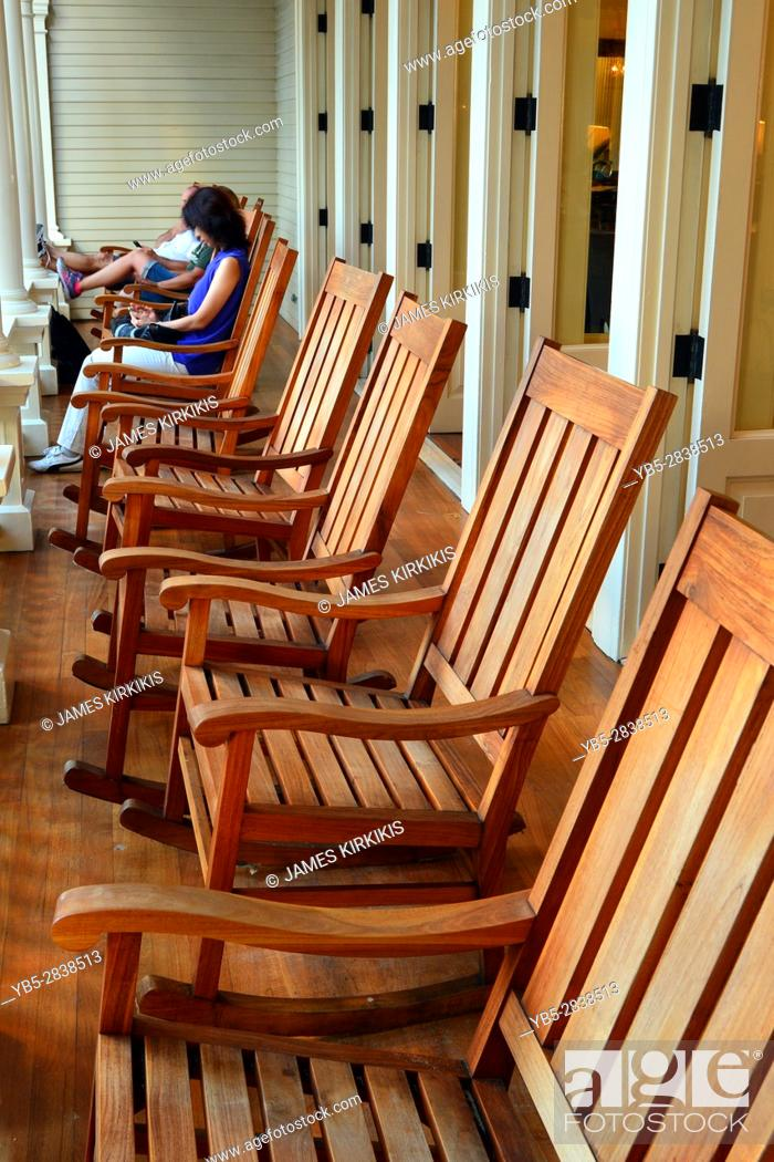 Fine Rocking Chairs On The Veranda Of The Moana Surfrider Hotel Bralicious Painted Fabric Chair Ideas Braliciousco