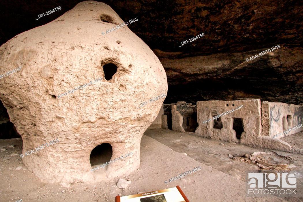 Stock Photo: Cueva de la Olla archaeological site, near Nuevo Casas Grandes. Chihuahua. Mexico.