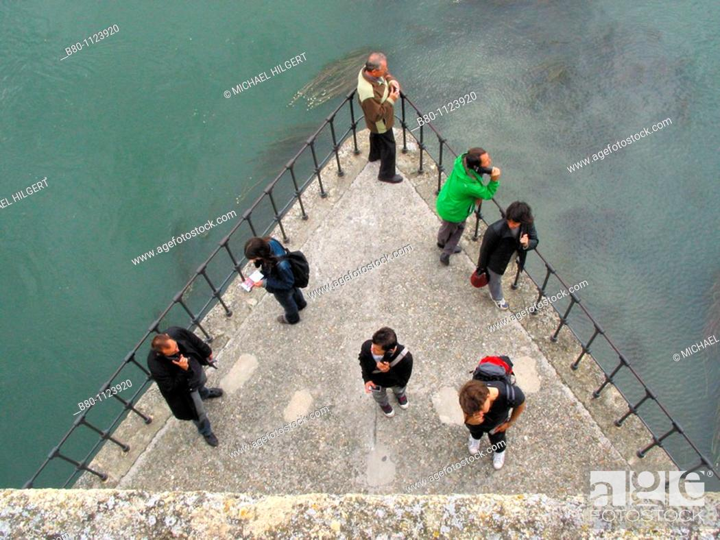 Stock Photo: Tourists, audio guides, Pont d'Avignon, River Rhone, Avignon, France.