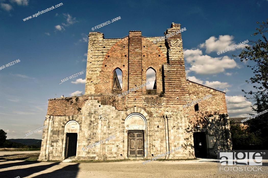 Stock Photo: abbazia di San Galgano, chiusdino, toscana, italia.