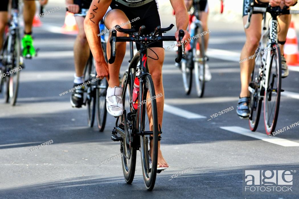 Imagen: male bicycle race, International Geneva Triathlon, Geneva, Switzerland.