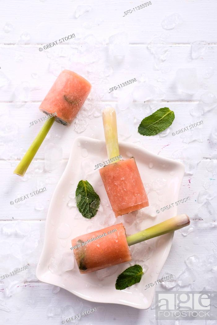 Stock Photo: Guava ice cream with mint.
