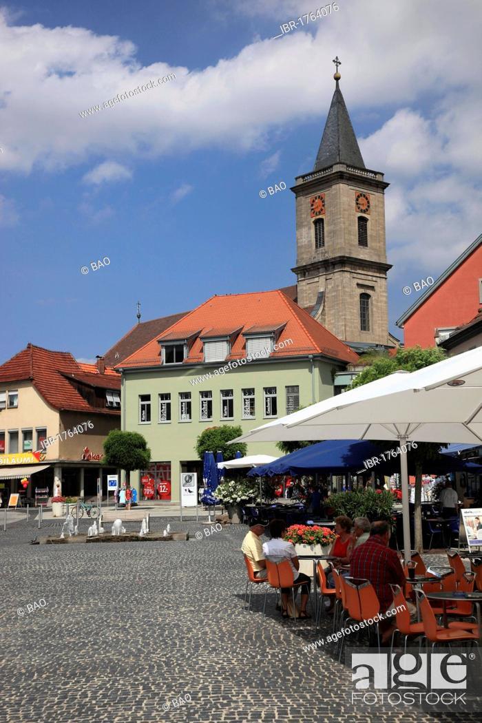 Stock Photo: Market place and Pfarrkirche Mariae Himmelfahrt parish church of the Assumption, Bad Neustadt an der Saale, Landkreis Rhoen-Grabfeld district, Lower Franconia.