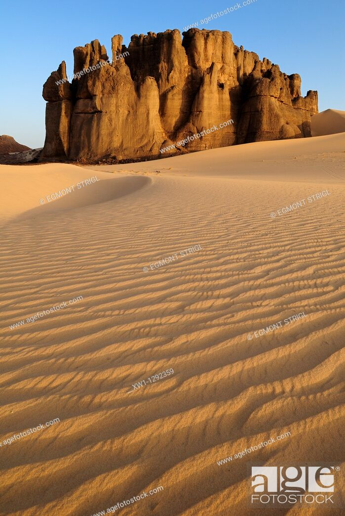 Stock Photo: sandstone rock formation at Tin Akachaker, Tassili du Hoggar, Wilaya Tamanrasset, Algeria, Sahara desert, Africa.