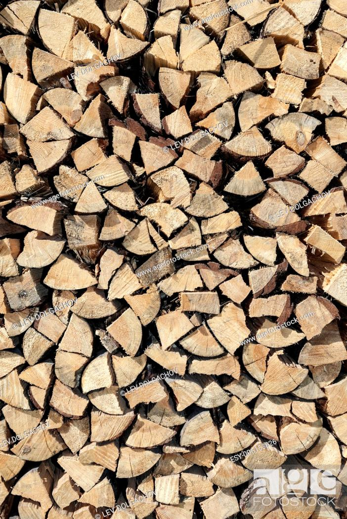 Imagen: texture and background concept - stacked firewood.