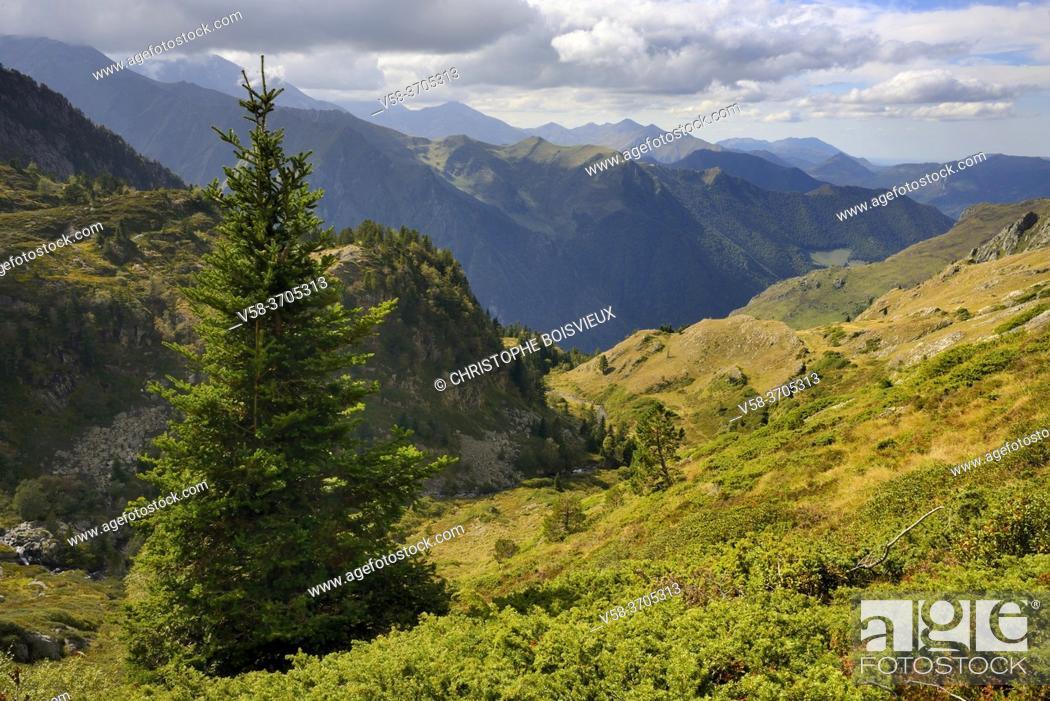 Imagen: France, Ariege, Couserans region, Mont Valier trek.