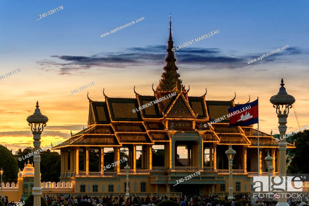 Stock Photo: Sunset at the Moonlight Pavilion (Preah Thineang Chan Chhaya), is an open-air pavilion that serves as stage for Khmer classical dance.