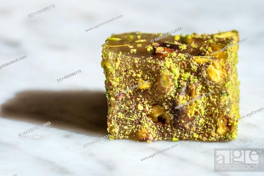 Imagen: Pistachio locum, sweet oriental delight close up view.