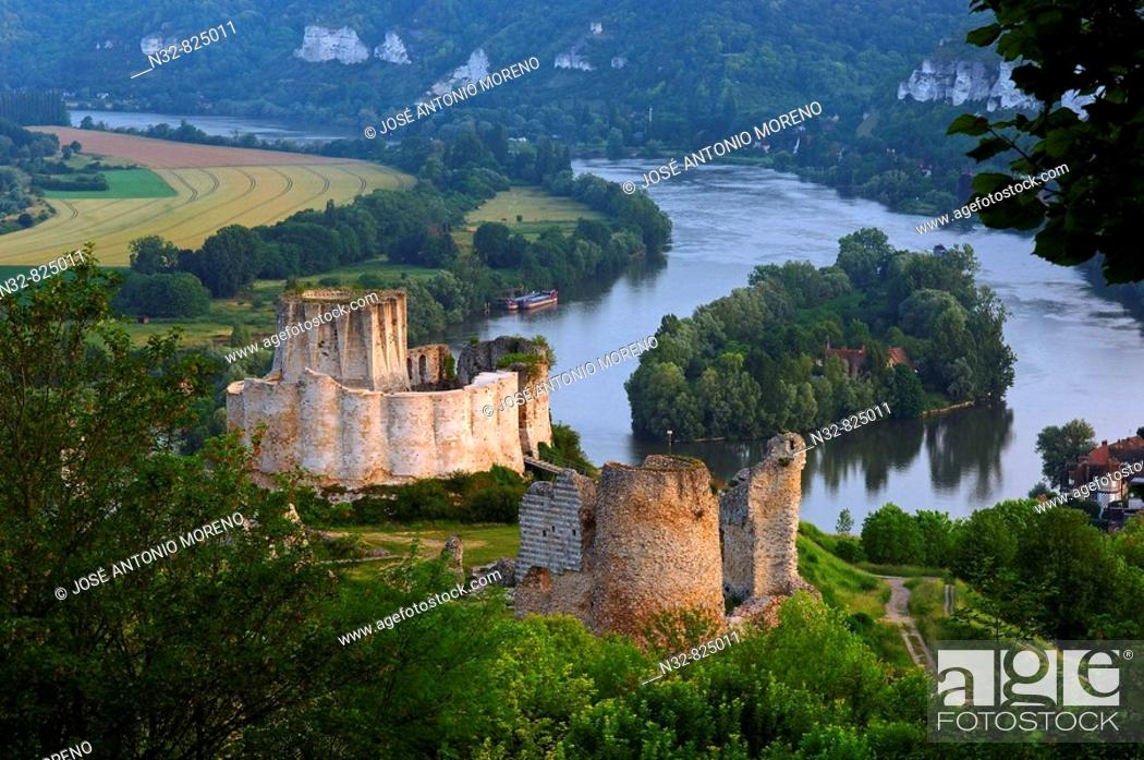Stock Photo: Meander of Seine river and Galliard Castle Château-Gaillard, Les Andelys Seine valley, Normandy, France.