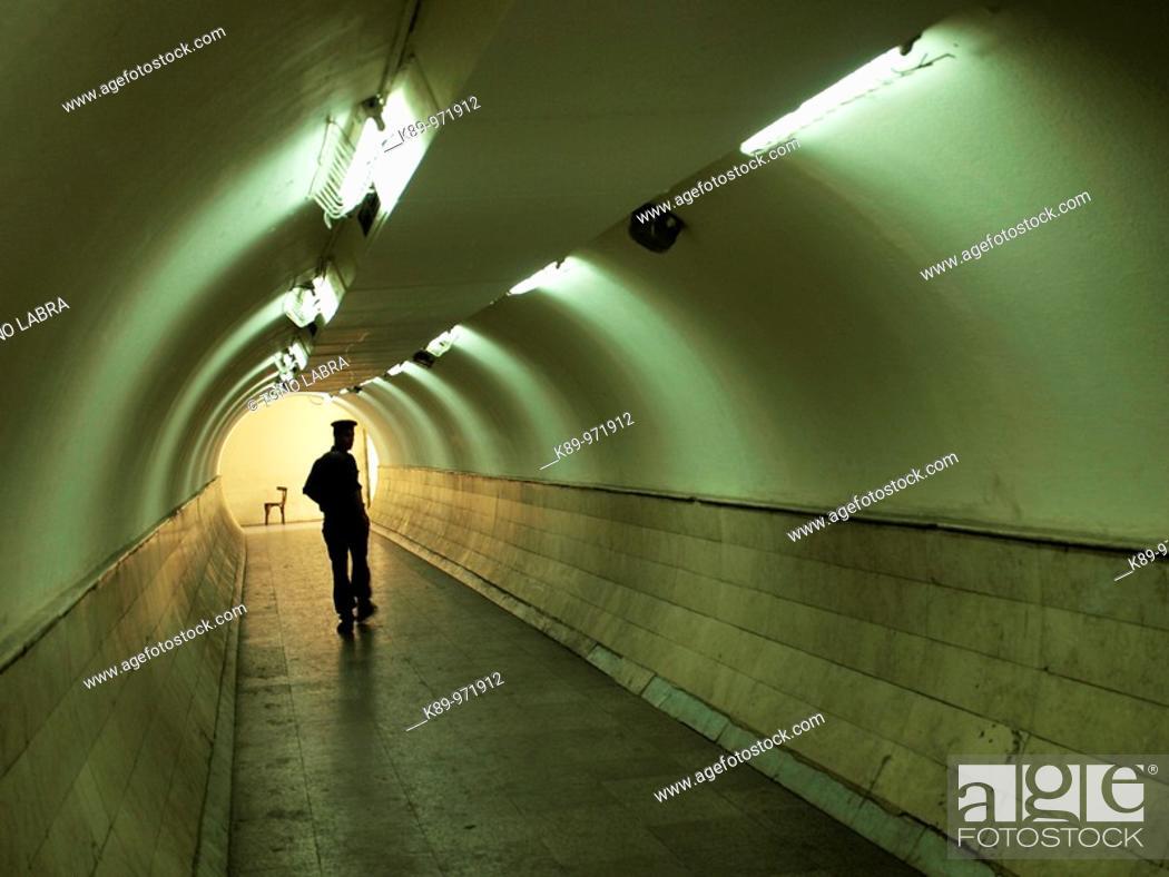 Stock Photo: Tunel en Khan el Khalili, El Cairo, Egipto.