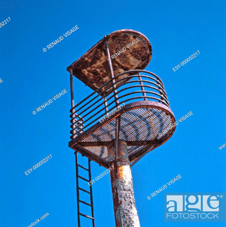 Stock Photo: Abandoned, rusty lifeguard's tower. Cabo de Gata. Spain.