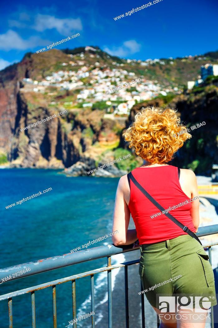 Imagen: Camara de Lobos village. Madeira, Portugal, Europe.