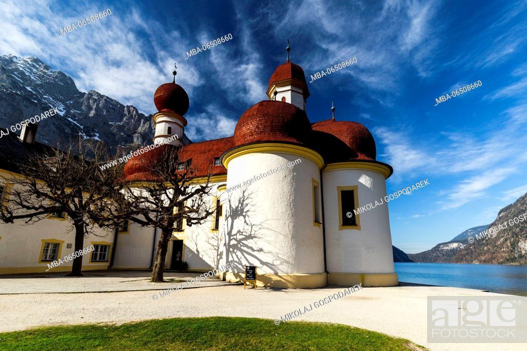 Photo de stock: Europe, Germany, Bavaria, Königssee. St. Bartholomew's Church. Berchtesgaden National Park.