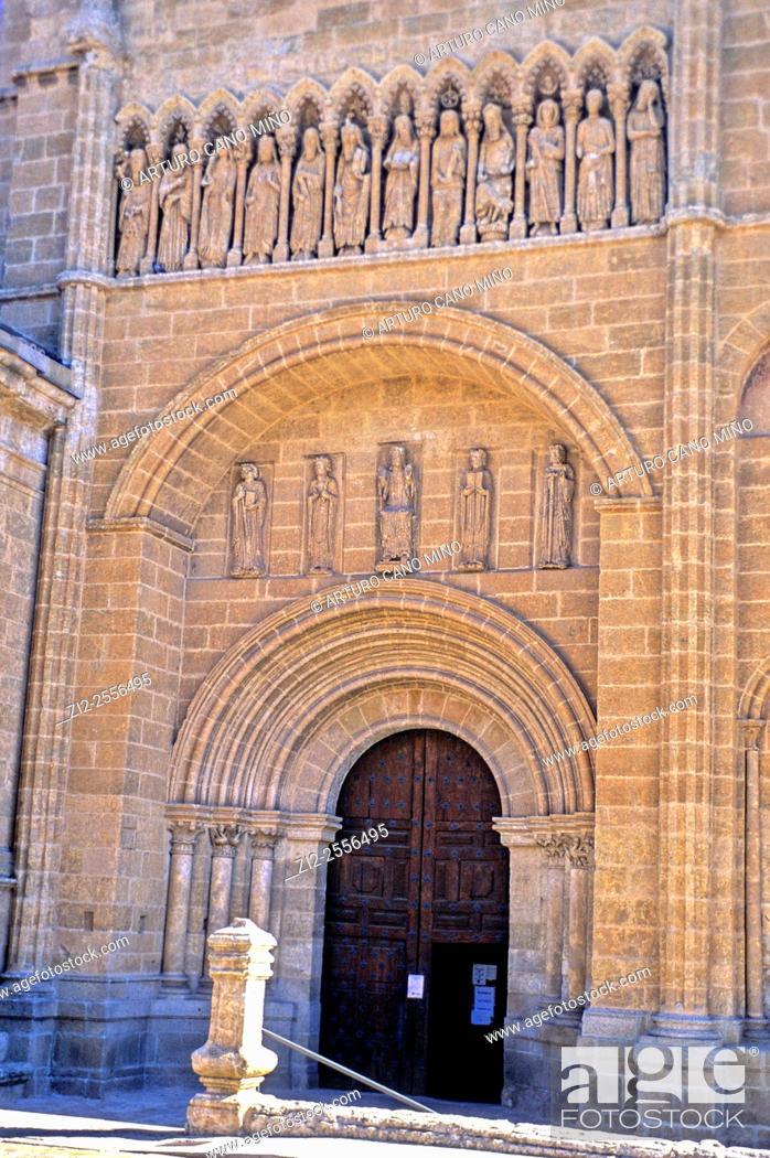 Imagen: The Cathedral of Santa María, XII-XIVth centuries. Gate of Chains. Ciudad Rodrigo, Salamanca, Spain.