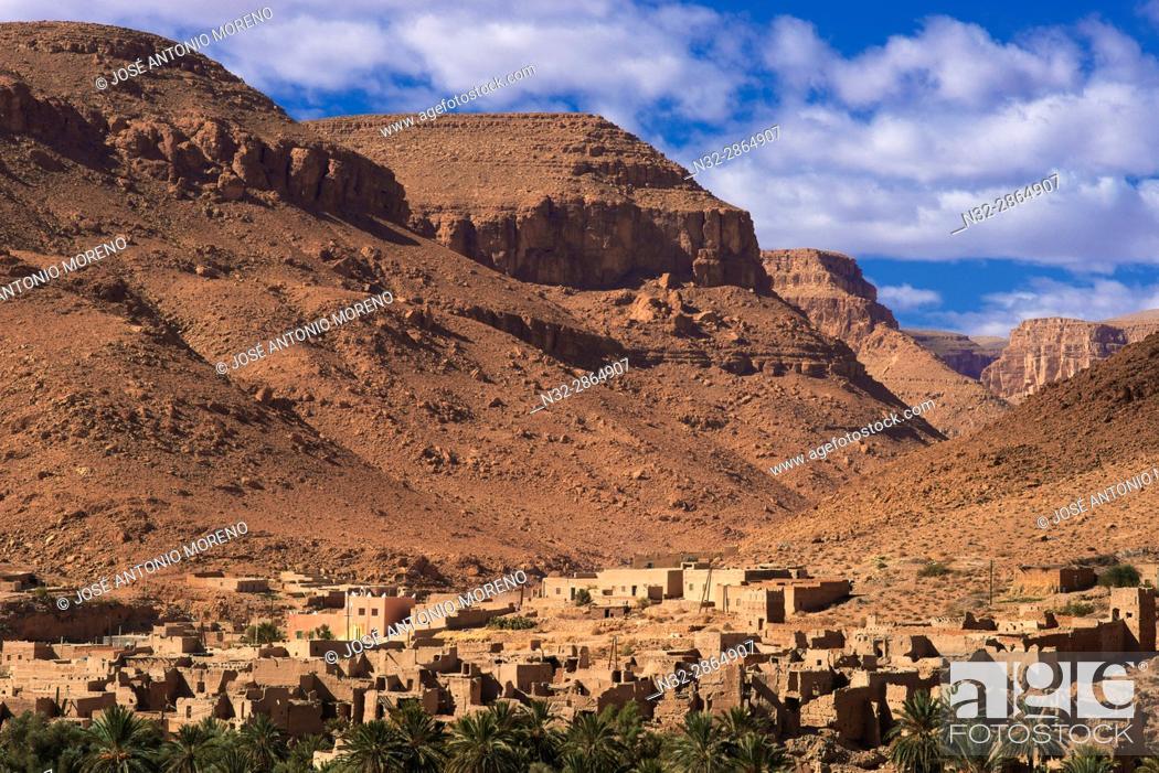 Stock Photo: Ziz River, Oued Ziz, Gorges du Ziz, Ziz Valley, Ziz Gorges, Old Kasbah, Oasis, Tafilalet region, Morocco, North Africa.