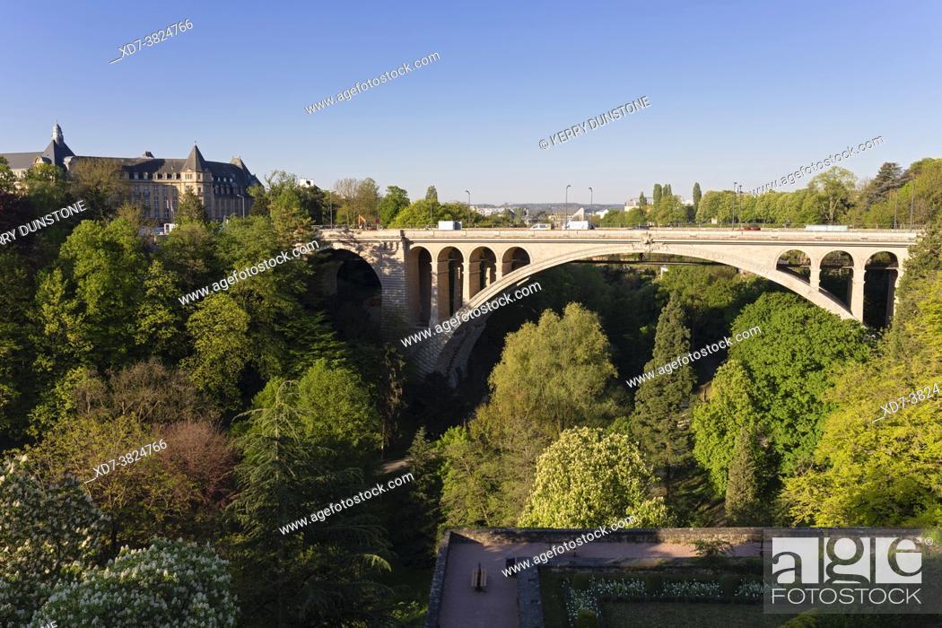 Stock Photo: Europe, Luxembourg, Luxembourg City, Pont Adolphe (Bridge) across the Parcs de la Pétrusse.