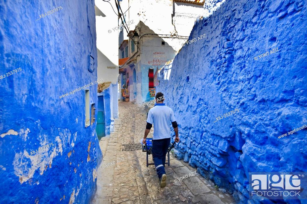 Stock Photo: Morocco, Chefchaouen, daily life.